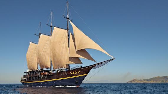 Building the WAOW, Phinisi liveaboard for dive cruises, sailing in Indonesia. Komodo, Raja Ampat, Papua Barat, Moluccas, Seram sea, Halmahera, Manado, Lembeh and Alor