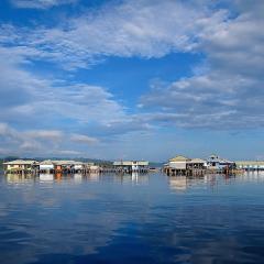 Phinisi Pinisi bateau de plongée et voilier WAOW navique à Misool en Indonésie